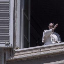 Popiežius vėl pro langą sveikins tikinčiuosius