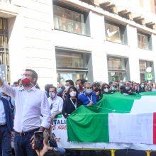 Italijos kraštutinių dešiniųjų lyderiai prisijungė prie protesto prieš vyriausybę