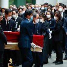 Seule surengtos mero laidotuvės, paskelbta detalių apie jam mestus įtarimus