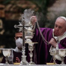 Pandemijos suvaržytame Vatikane popiežius paminėjo Gavėnios pradžią