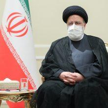 Irano parlamentas patvirtino prezidento E. Raisi vyriausybę