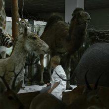 Režisierė A. Žegulytė kviečia pakalbėti apie žmones, žvėris ir daiktus