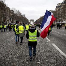"""Prancūzijoje vyksta 20-oji """"geltonųjų liemenių"""" protesto akcija"""