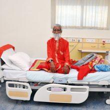 Sulaukęs 90-ies mirė Indijos jogas, teigęs, kad gyvena be maisto ir vandens