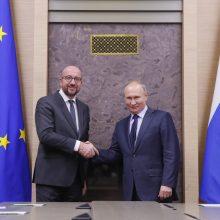 EVT pirmininkas Ch. Michelis telefonu kalbėjosi su V. Putinu