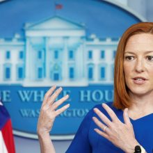 """Baltieji rūmai: JAV """"vis labiau neramina"""" rusų karių telkimas prie Ukrainos sienų"""