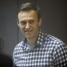 """Rusijos gydytojai ragina A. Navalną """"nedelsiant"""" nutraukti bado streiką"""