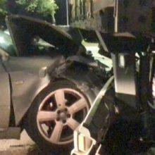 """Jonavos gatvėje """"Audi"""" rėžėsi į vilkiko priekabą"""