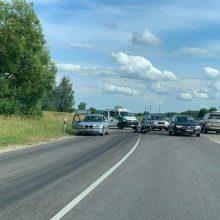 Kelyje Trakai – Vievis susidūrė BMW ir motociklas