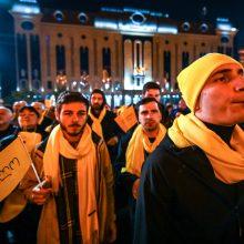 Sakartvele į gatves išėjo tūkstančiai opozicijos šalininkų