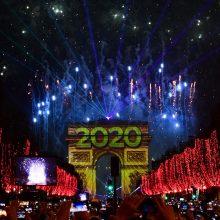 Pasaulis pasitinka naują istorijos dešimtmetį