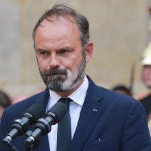 Prancūzija tirs ekspremjero ir dviejų sveikatos eksministrų veiklą