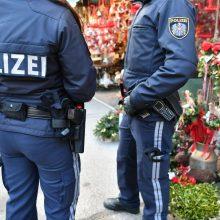 Vyras Austrijoje peiliu sužalojo keturis žmones
