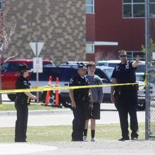 Aidaho mokykloje per šaudymą sužaloti trys žmonės, sulaikytas vienas moksleivis