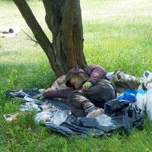 Pliažo senbuviai atsikvėpė: jų vietą užėmęs benamis išvežtas į Nakvynės namus