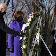 J. Bidenas, K. Harris ir buvę JAV prezidentai pagerbė žuvusius karius