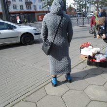 Ar bus užmautas apynasris prie Stoties turgaus cigaretes siūlančioms romėms?