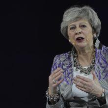Th. May davė patarimą moterims politikoje: būkite savimi
