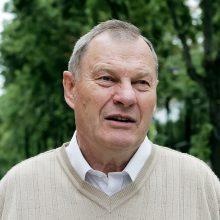Sporto universitetas garbės daktaru inauguruoja legendinį krepšininką M. Paulauską