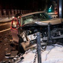 Avarija Kauno centre: automobiliai – suknežinti, vairuotojai nesutarė dėl kaltės