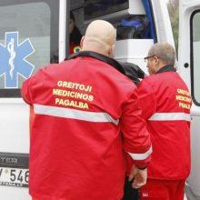 Per avariją Šiaulių rajone sužaloti žmonės: medikų prireikė mežamečiui