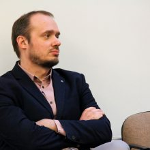 Dėl LSDP vadovo posto su kolegomis varžysis politologas L. Gudžinskas