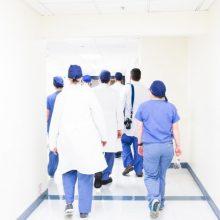 Seimas nuvylė medikus: įstatymo pataisos dėl algų nepriimtos