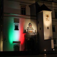 Trijų Kryžių paminklas, Katedra ir Prezidentūra nušvito Italijos vėliavos spalvomis