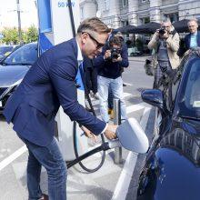 Subsidijomis elektromobiliams įsigyti pasinaudojo transporto ir logistikos, energetikos įmonės
