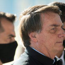 """J. Bolsonaras žada panaudoti jėgą, jeigu protestuotojai """"peržengs įstatymo ribas"""""""