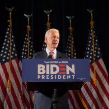 J. Bidenas: Rusija ir Kinija siekia pakenkti JAV prezidento rinkimams