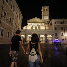 Italijoje bendras koronaviruso aukų skaičius padidėjo iki 34 833