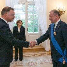Lenkijoje S. Skverneliui įteiktas apdovanojimas už indėlį stiprinant šalių dialogą