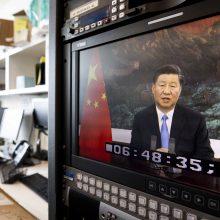 Kinijos prezidentas ragina nepolitizuoti koronaviruso pandemijos