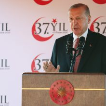 R. T. Erdoganas: dėl pandemijos savaitgalį įvedama dalinė komendanto valanda