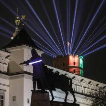 Vilnius švenčia miesto gimtadienį: šviečia TV bokštas, tiltai ir paminklai
