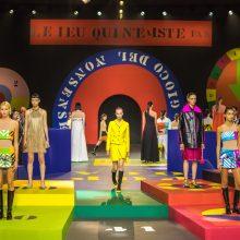 """Postpandeminė """"Dior"""" mados namų kolekcija – sportiška ir spalvinga"""