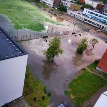 Vilniaus gatvės po trijų liūties bangų virto upėmis
