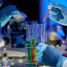Mėginius dėl koronaviruso infekcijos pradeda tirti ir privačios laboratorijos