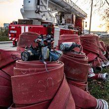 Kada iš Alytaus gaisravietės bus pradėtos vežti atliekos, vis dar nėra aišku