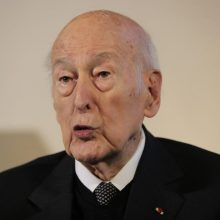 Mirė buvęs Prancūzijos prezidentas V. Giscard d'Estaing`as
