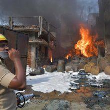 Indijoje driokstelėjus keliems sprogimams fejerverkų fabrike žuvo 15 žmonių