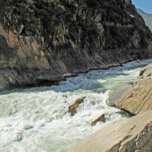 Šveicarijos Alpėse žuvo trys kanjoningo mėgėjai ispanai, dar vienas dingo