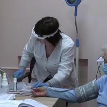 Dėl darbo ribojimų – medikų priekaištai