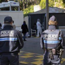 Prancūzijoje – 588 nauji mirties nuo koronaviruso atvejai ligoninėse