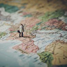 Aktualu grįžtantiems: į paveiktų šalių ir regionų sąrašą įtraukta Anglija ir Velsas