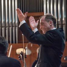 Dirigentas D. Zlotnikas: kuo sudėtingesnis spektaklis, tuo man įdomiau