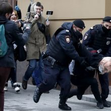 Maskvoje sulaikyta apie 20 piketuotojų prieš policijos smurtą