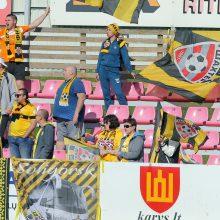 Baltarusijos futbolininkams virusai - nė motais: žaidžia stebint būriui sirgalių