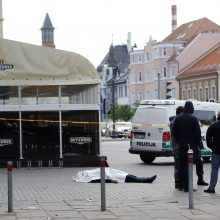 Ukrainiečio žudikas nusikaltimo vietoje parodė, kaip peiliu subadė kraštietį